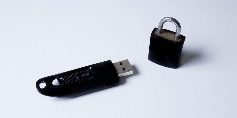 Программа для форматирования флешки, защищенной от записи